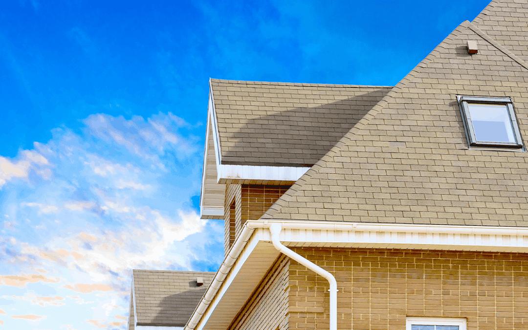 Conseils de toiture de printemps pour les propriétaires résidentiels
